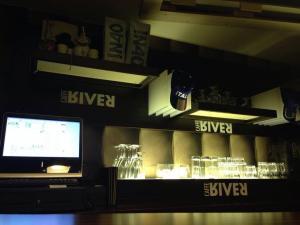 کافه ریور cafe river 1