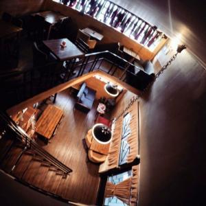 hoom cafe cafeyab 17