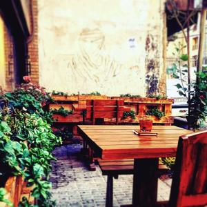 hoom cafe cafeyab 5