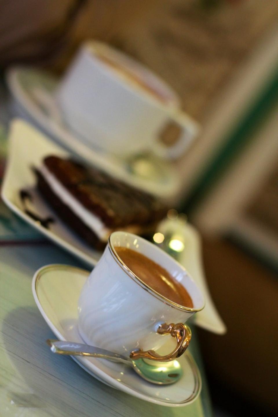 کافه گاستو cafe gusto 7