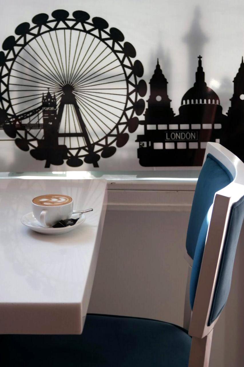 cafe london new 7