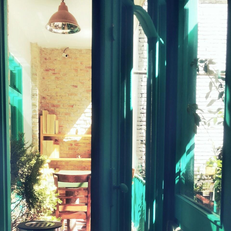 کافه نزدیک کتاب cafe nazdik book 4