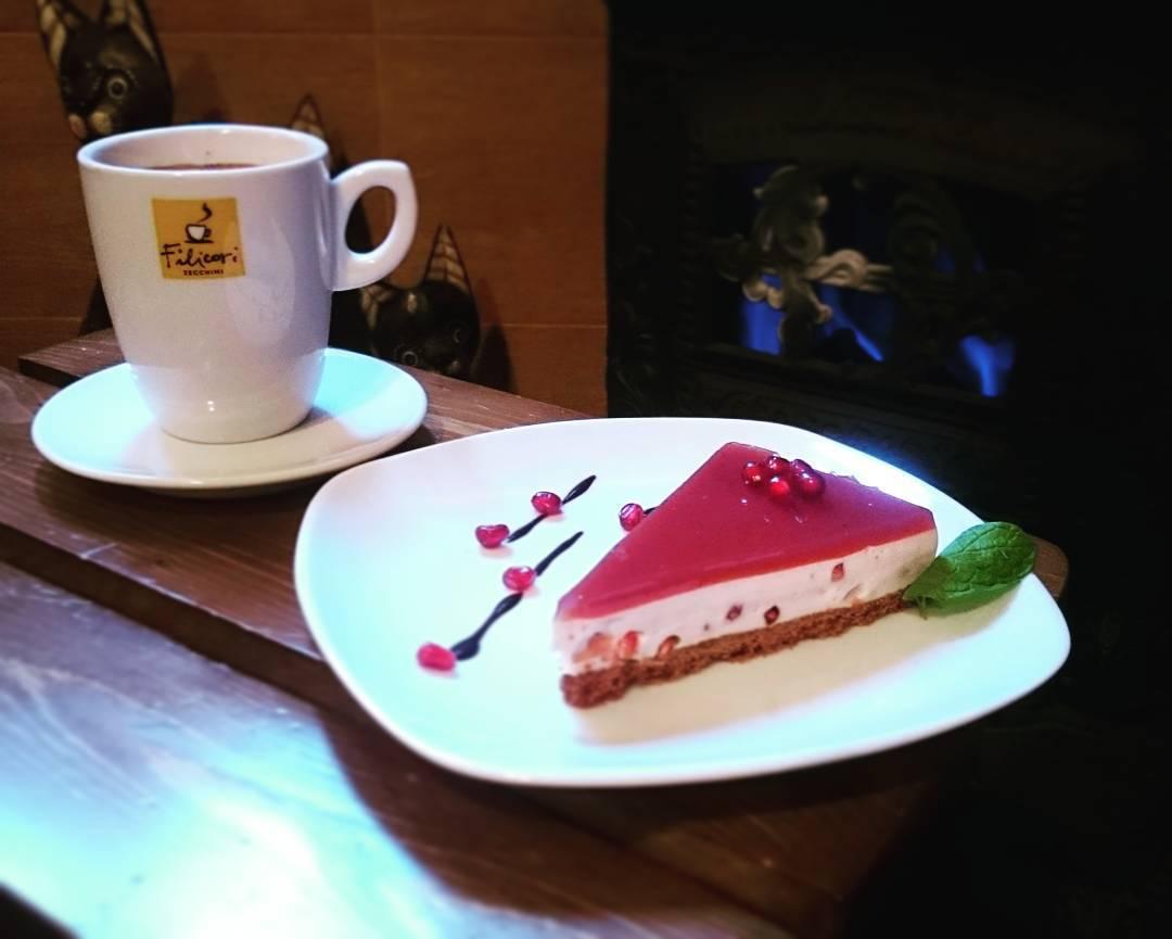 hoom cafe cafeyab 25