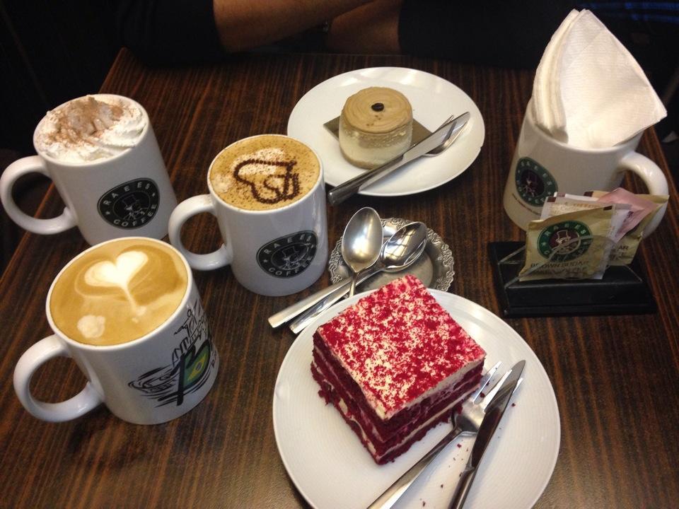 کافه رئیس پل رومی raees coffee pole roomi 3