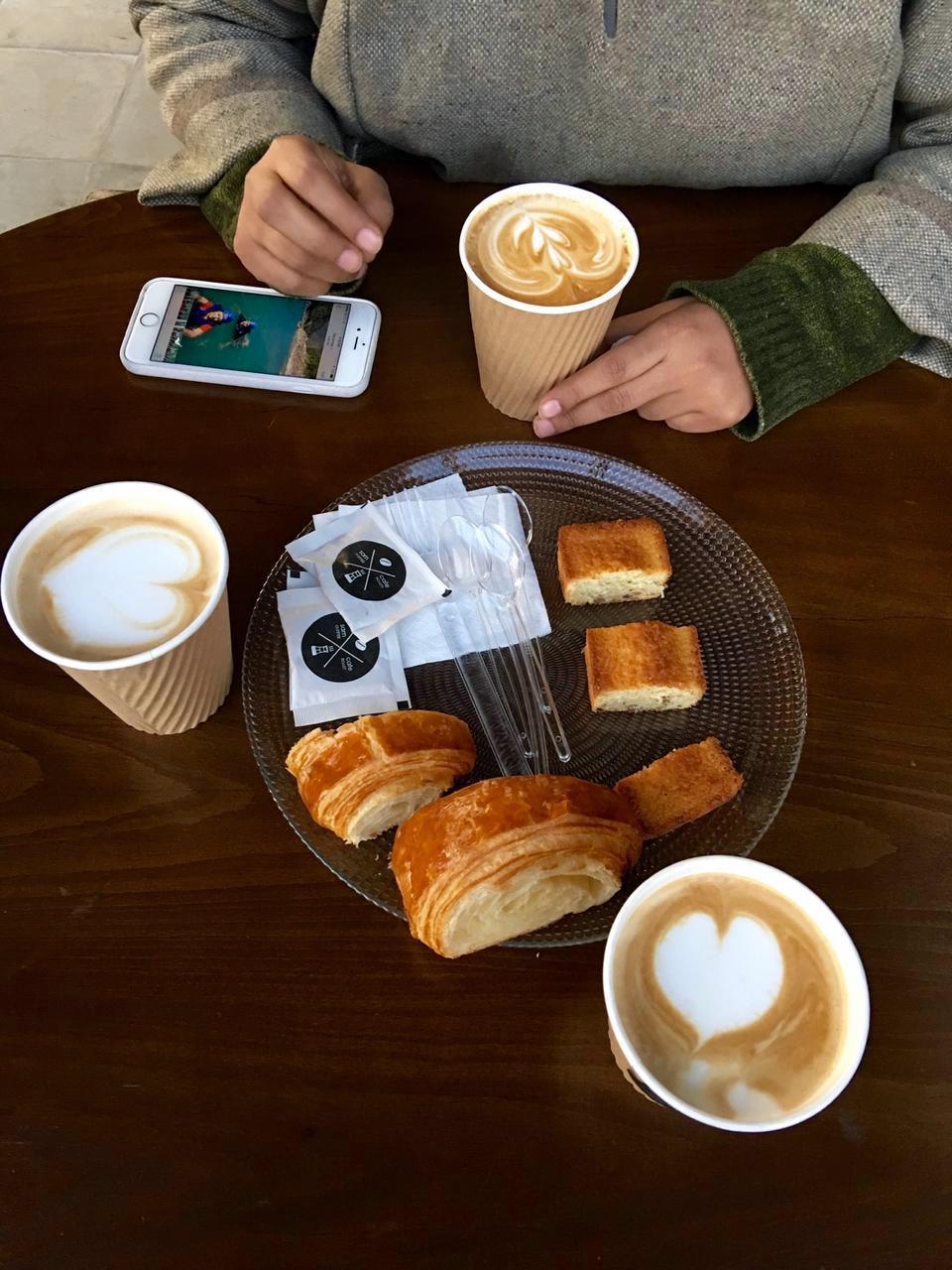sam cafe vanak 39