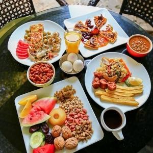 کافه باغ کاریز 1