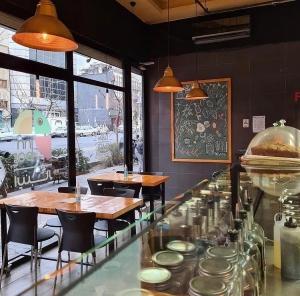 کافه اینبار (2)