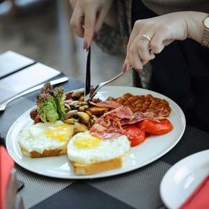 کافه رستوران آکوبا 4