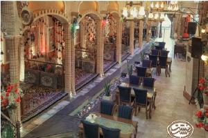 5 خشت بهشت رستوران