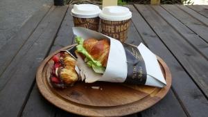 cafe and roastery linnaeus 3