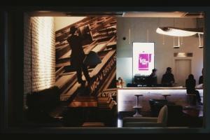 کافه لونا لانژ cafe luna lounge 7