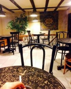 cafe theater cafeyab 2