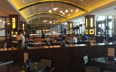 کافه بار گوردون رامسی برد استریت کیچن دبی3