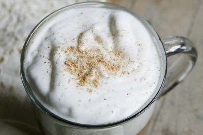 قهوه اِگنوگ لته (Eggnog latte coffee)