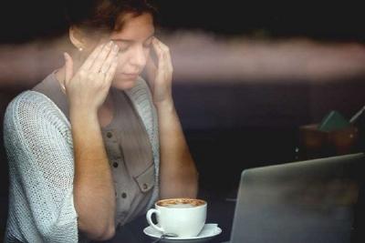 تحقیق علمی: نوشیدن یک فنجان قهوه اضافه در بروز سردردهای میگرنی موثر است