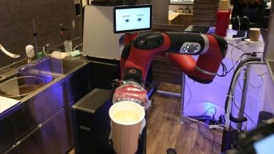 mc nws robot cafe 2018