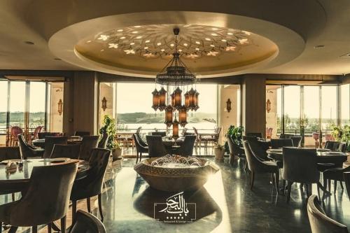 رستوران لبنانی و لانژ بابالبحر