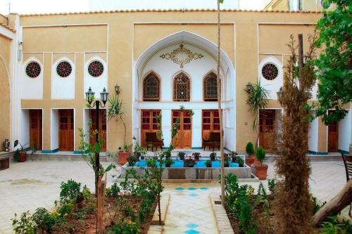 هتل سنتی یاس اصفهان