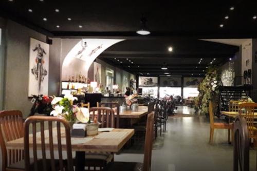 کافه آرتوس لانژ