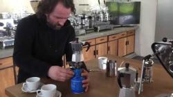 لاته آرت با قهوه موکاپاد